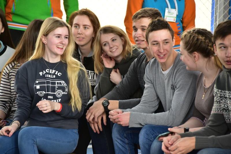 Школьники Вороновского вернулись из похода по Крыму
