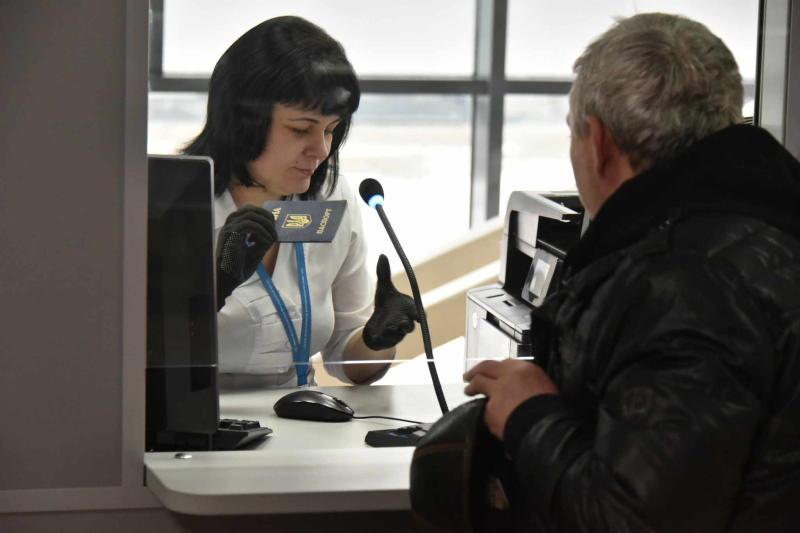 Миграционный центр в Новой Москве помог в трудоустройстве 40 тысячам иностранных граждан