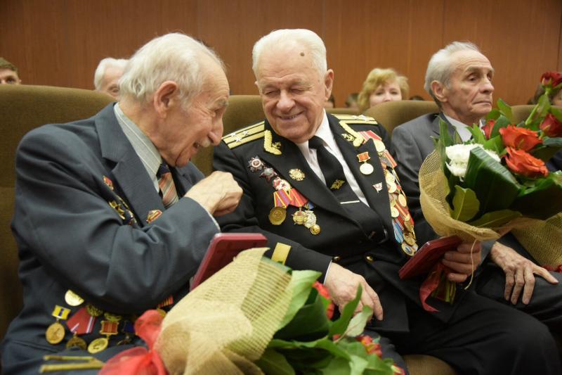 Молодежная палата Рязановского поздравила Совет ветеранов с пятилетием