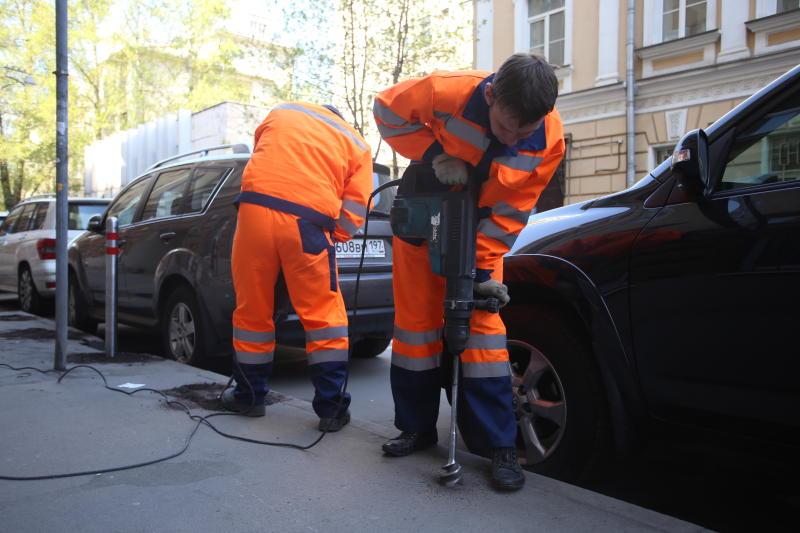 Две парковки оборудовали в поселении Десеновское