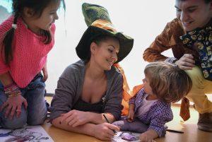 Актриса Мария Кожевникова считает главным чудом в своей жизни рождение детей. Фото: Сергей Бобылев, ТАСС