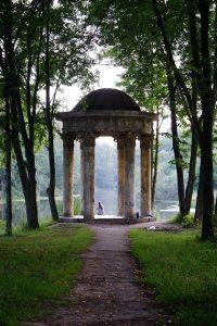 """Третье место - """"Ротонда в парке Заречье"""", автор - Геннадий Штальбаум"""