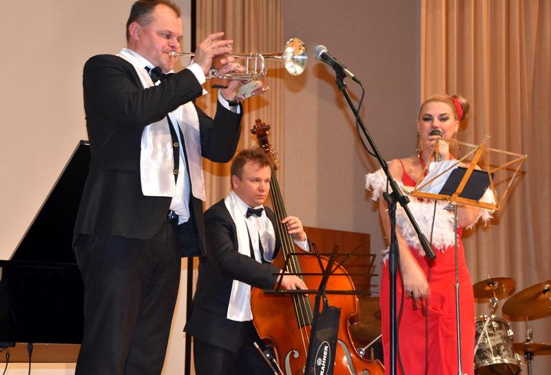 Джазовый концерт провели для сотрудников полиции и их семей в Троицке