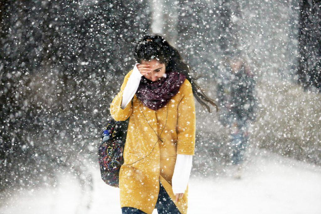 В понедельник Москву напугали «бураном» из мокрого снега, дождя и ветра