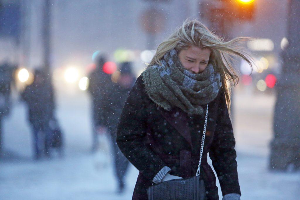 Порывистый ветер и снегопад ожидают москвичей в воскресенье. Фото: архив, «Вечерняя Москва»