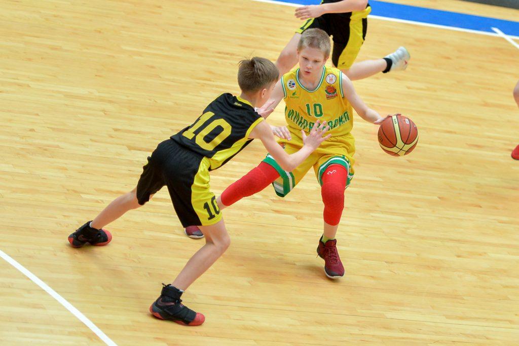 Товарищеский матч по баскетболу пройдет в Марушкинском