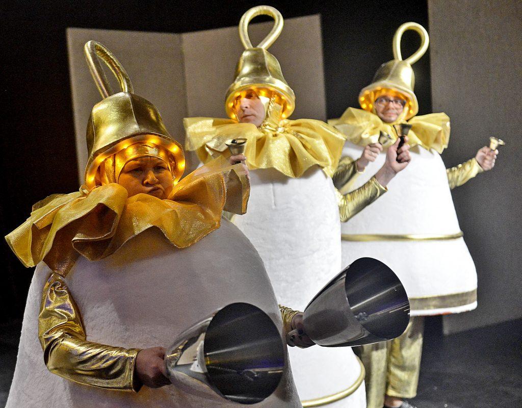 Жители Десеновского увидят спектакль-мюзикл «Холодное сердце»