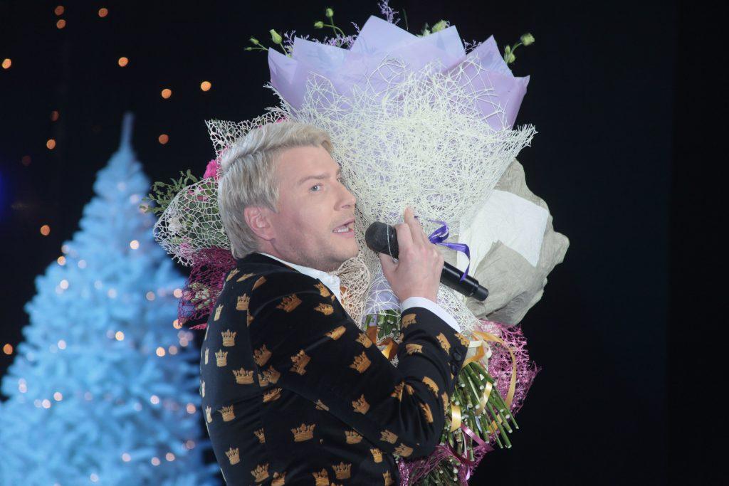 Известные артисты выступят на окружных площадках в новогодние праздники