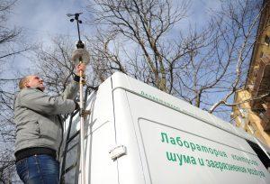 Заборы проб воздуха не показали превышения предельно-допустимых концентраций загрязняющих веществ. Фото: «Вечерняя Москва»