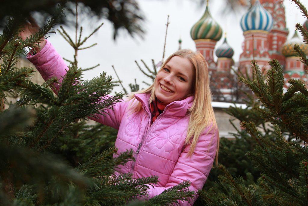 Свыше 230 елочных базаров открыли для жителей Москвы