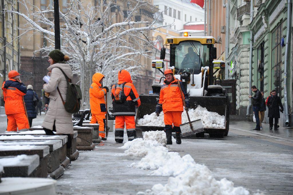 Петр Бирюков заявил о «праздничном» усилении коммунальных бригад в Москве