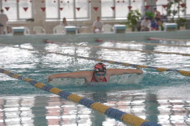Более 300 пловцов из Московского примут участие в «Новогодних стартах»