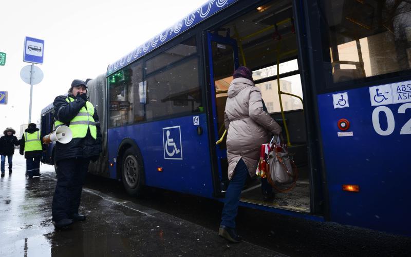 Режим работы автобусов в Новой Москве в ночь с 6 на 7 января изменится