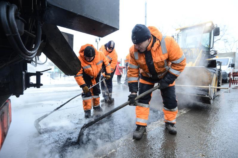 Более 60 тысяч кубических метров асфальтовой крошки завезли в Кленовское