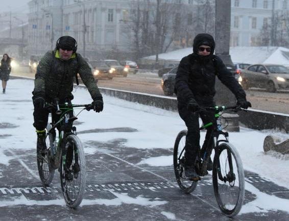 Выделенные полосы для велосипедов проложат на дорогах Новой Москвы