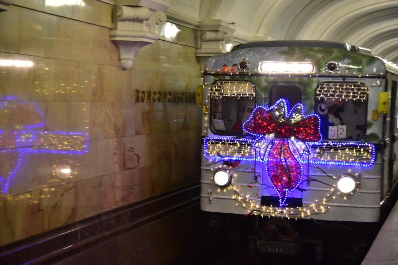 Метро Москвы заработает по праздничному расписанию на Новый год и Рождество