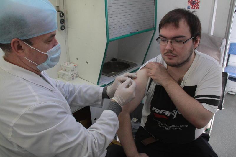 В преддверии зимы более шести миллионов жителей Москвы привились от гриппа