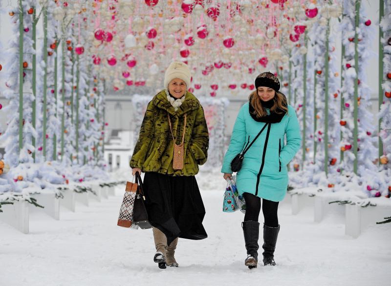 В столичных парках завершена подготовка к Новому году