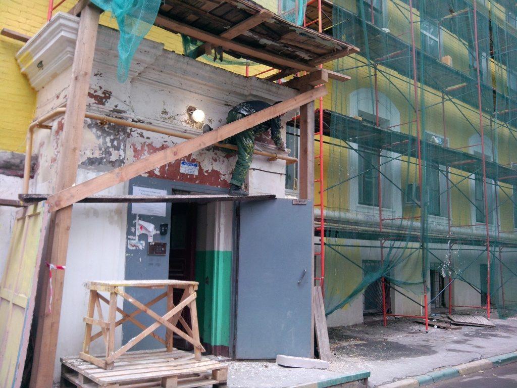 Капитальный ремонт 57 подъездов жилых домов запланирован в Десеновском. Фото: архив, «Вечерняя Москва»