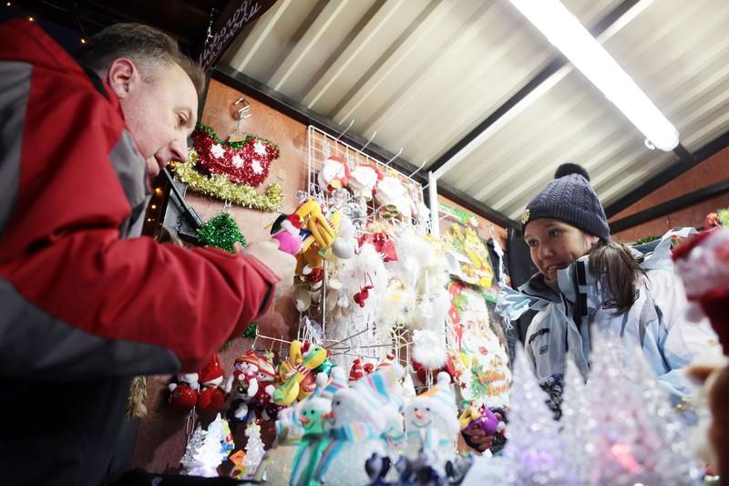 Посетители ВДНХ смогут сделать рождественские венки