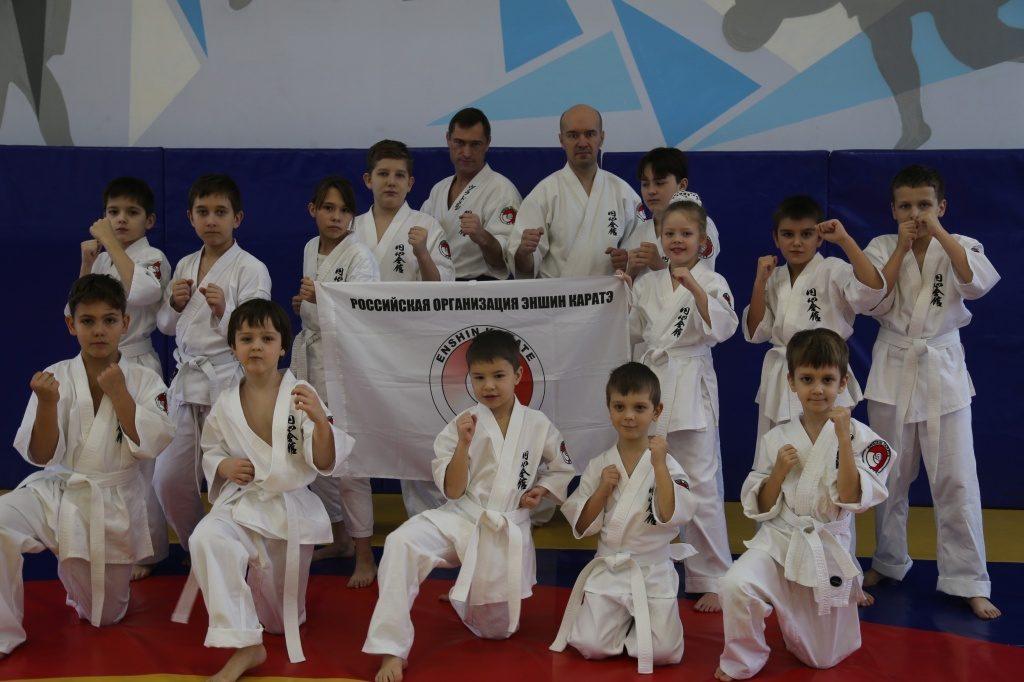 Юные каратисты Первомайского успешно сдали экзамен на повышение ученической степени