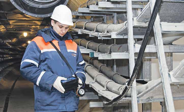 Электрики реконструируют кабельно-воздушную линию в Первомайском