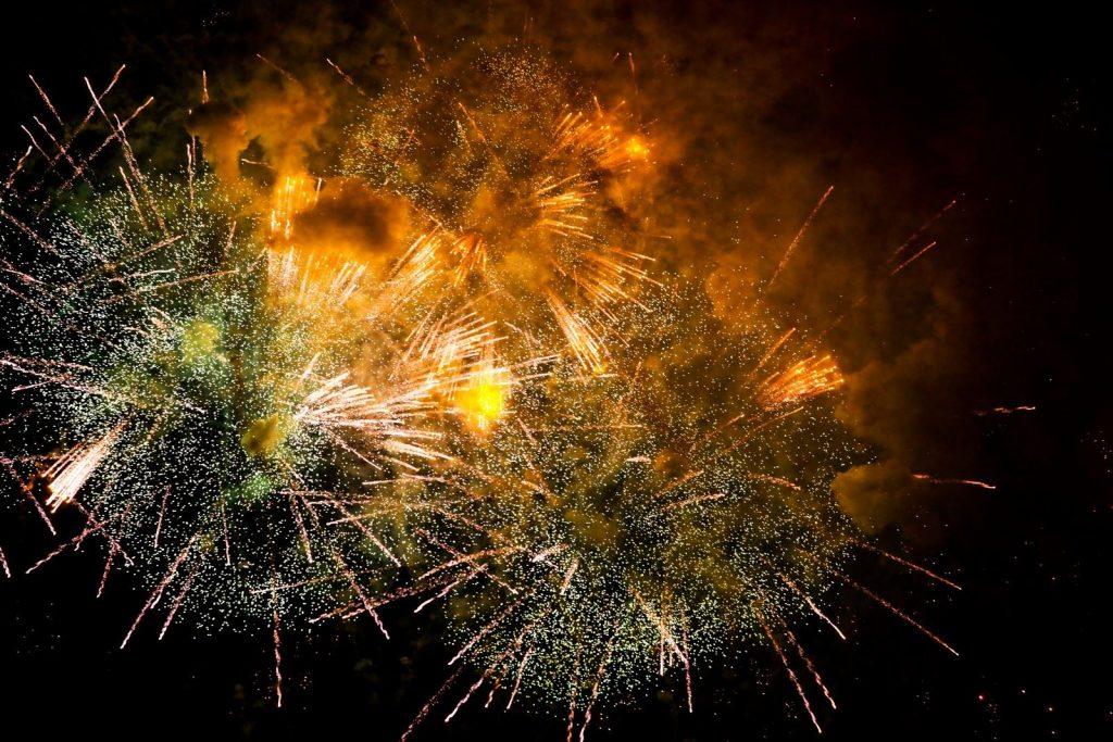Большую часть фейерверков запустят 1 января в 01.00. Фото: mos.ru