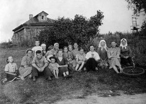 1953 год. Жители деревни Язово. Фото: Виктор Хабаров