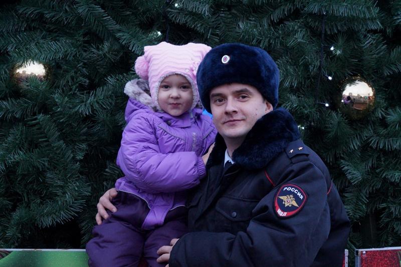 Более 125 полицейских и представителей Росгвардии обеспечили безопасность новомосквичей в новогоднюю ночь