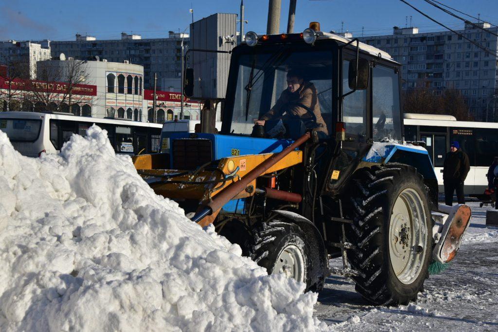 Уборка снега в Москве привлекла более 10 тысяч единиц техники