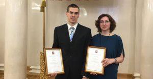 Преподаватели Школы №2083 Антон Зуев и Ирина Белова после вручения. Фото: пресс-служба Школы №2083