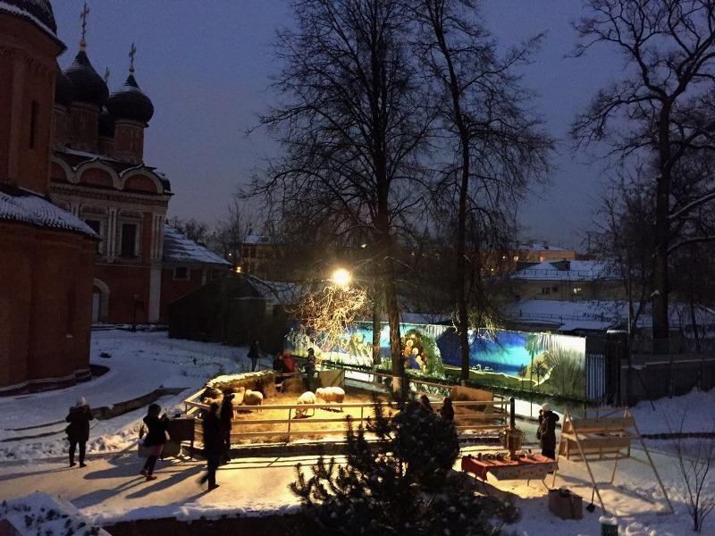 Общественный порядок в Новой Москве в новогодние и рождественские праздники обеспечили более 800 сотрудников полиции