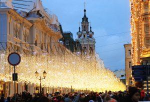 Новогодние декорации в Москве сохранятся до февраля