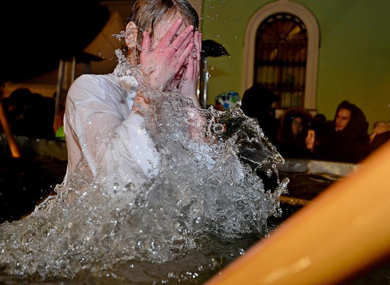 Крещенские купания в Воскресенском отменили из-за тонкого льда