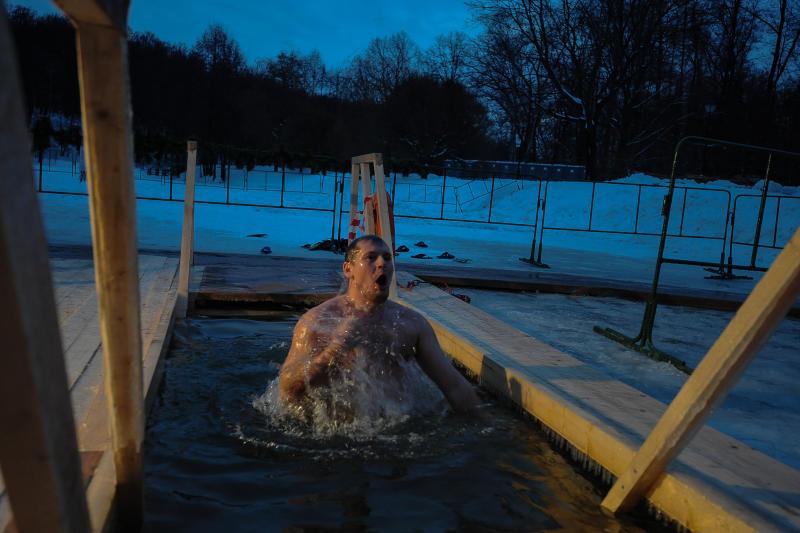 Крещенские купания отменили в одном из водоемов Воскресенского