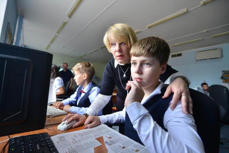 Школы Москвы стремятся к тому, чтобы все уроки были уроками патриотизма