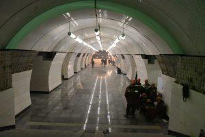 Постоянную схему освещения подключили на стации метро «Рассказовка». Фото: Владимир Новиков