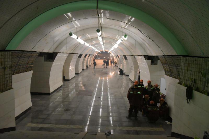 Постоянную схему освещения подключили на стации метро «Рассказовка»