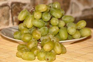 Виноград, по мнению испанцев, принесет удачу. Фото: pixabay.com
