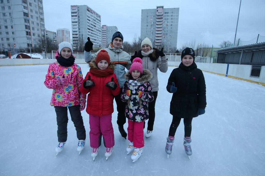 Стоп-кадр: Живой лед так и манит конькобежцев