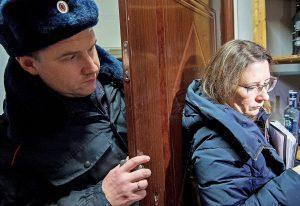 Рейды по выявлению контрафактного алкоголя проведут в магазинах Москвы