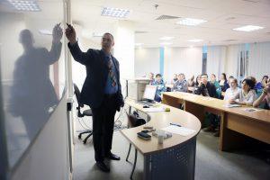 Рособрнадзор лишил лицензии два вуза в Москве