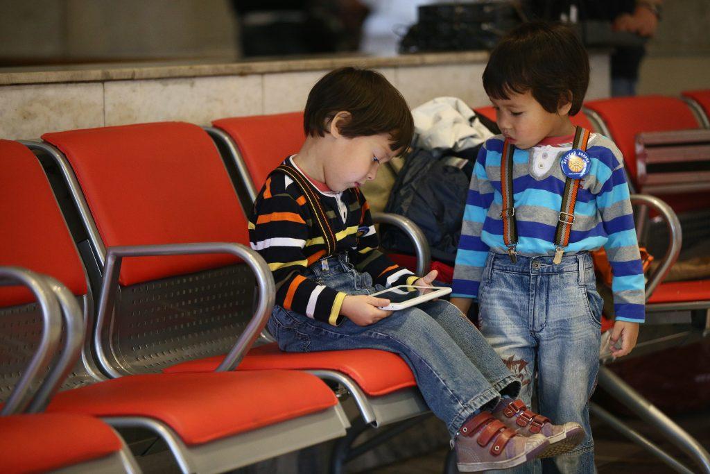 Детскую площадку открыли на Рижском вокзале в Москве