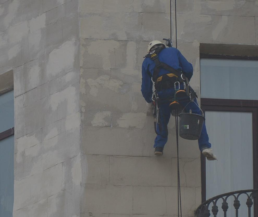 Капитальный ремонт фасадов двух домов провели в Марушкинском