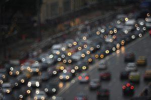 Автомобилистам посоветовали воздержаться от поездок на личном транспорте.Фото: архив, «Вечерняя Москва»