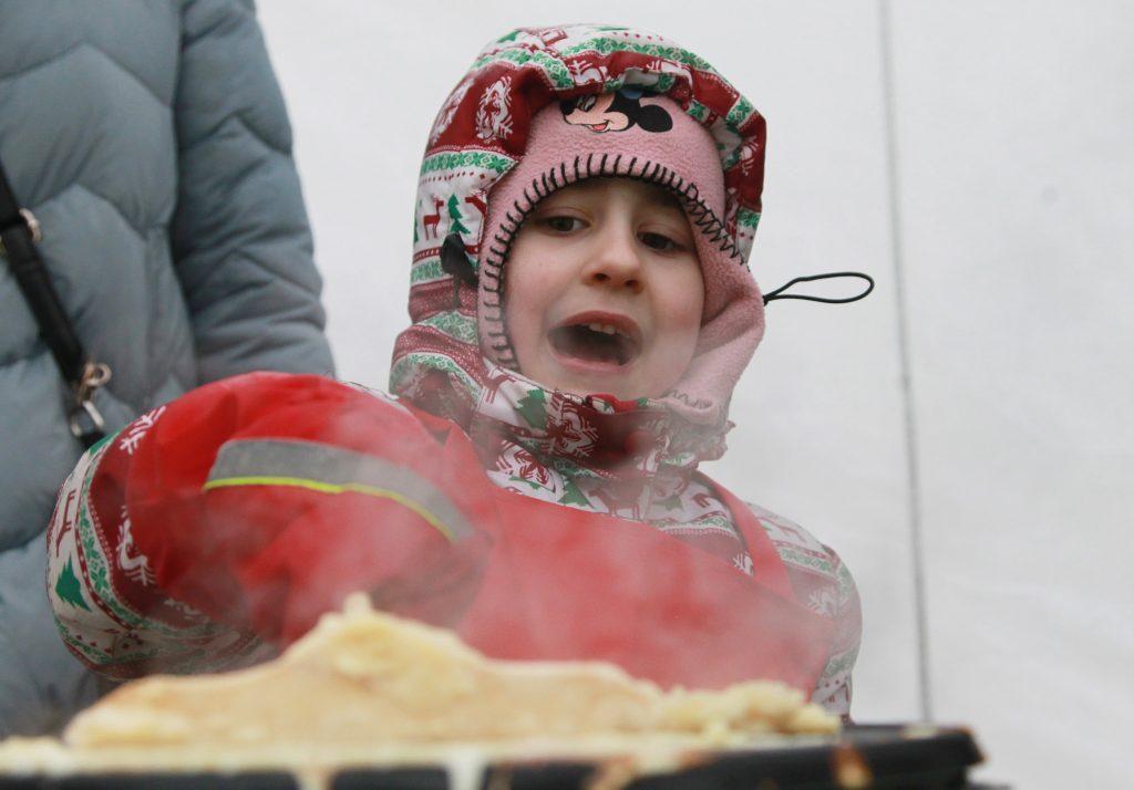 Москвичам посоветовали следить за качеством масленичных угощений