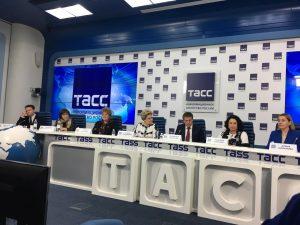Перспективы и реализацию проекта «Активное долголетие» обсудили в столице