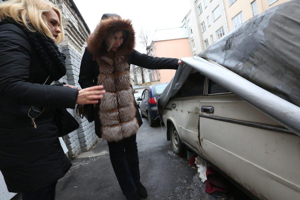 Брошенные транспортные средства обнаружили в Сосенском