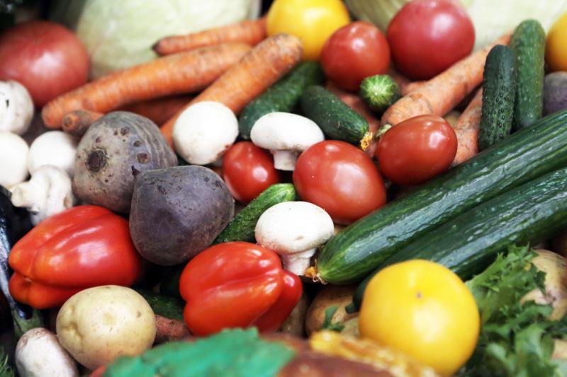 Овощи для питания учеников предложили выращивать на территории школ Новой Москвы
