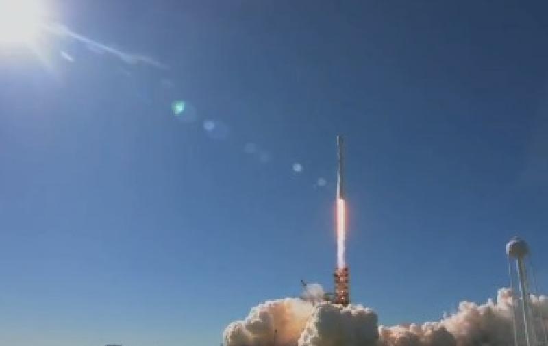 Илон Маск успешно запустил ракету-носитель в космос